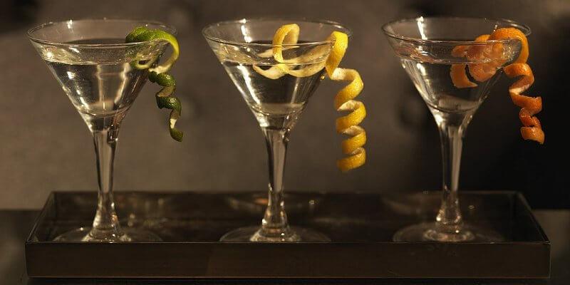 Verres cocktail Dry Martini avec Gin